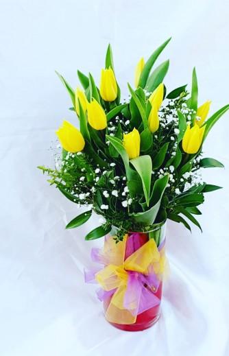 florero tulipan amarillo
