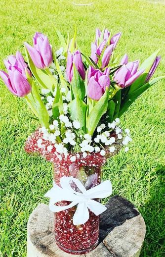 tulipan morado .